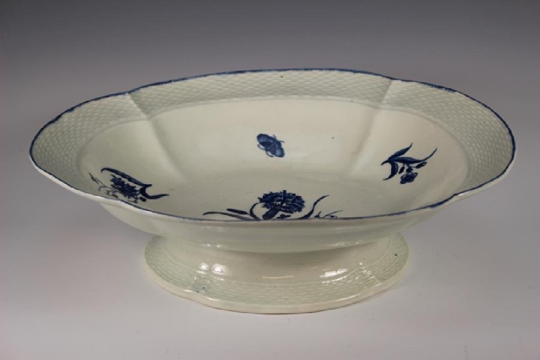 Dr. Wall Period Worcester Porcelain Footed Bowl