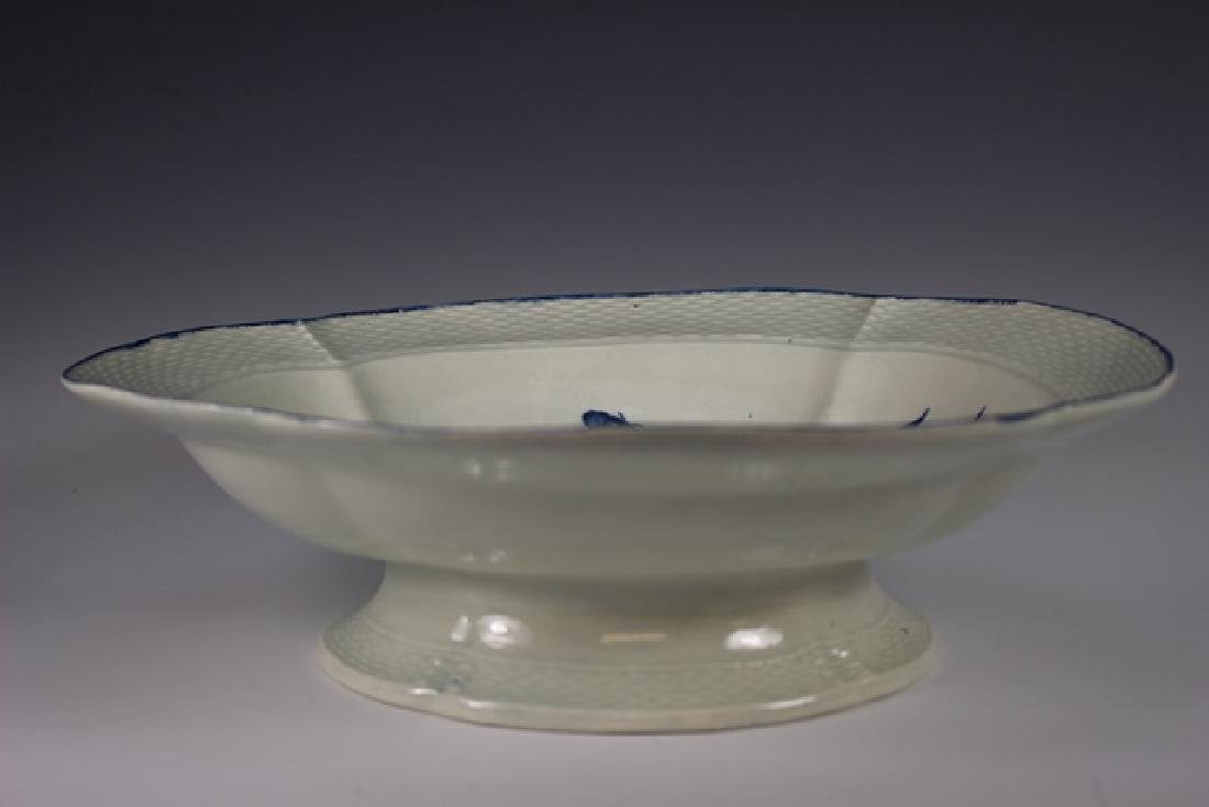 Dr. Wall Period Worcester Porcelain Footed Bowl - 2