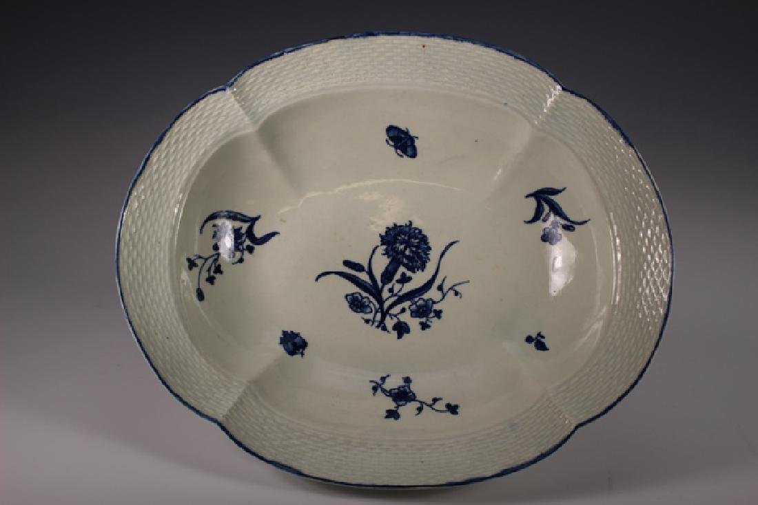 Dr. Wall Period Worcester Porcelain Footed Bowl - 3