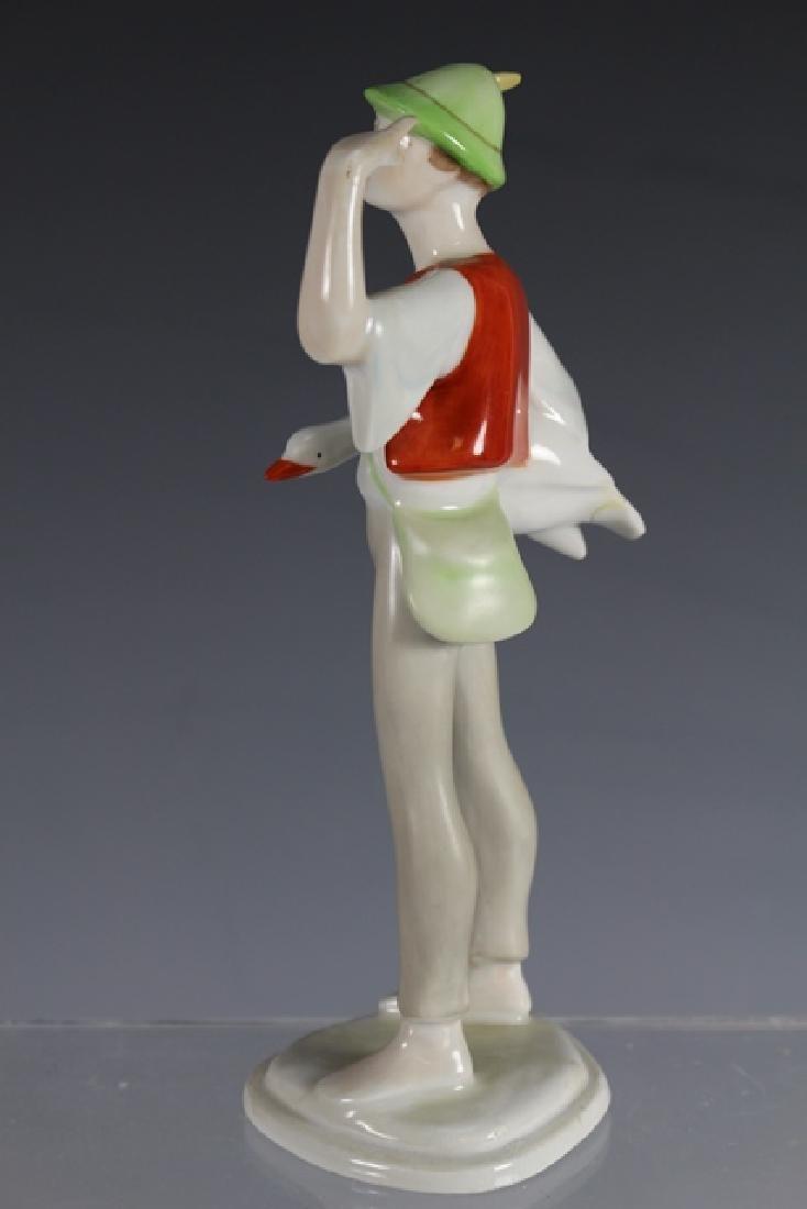 Hollohaza Kezzel Festett Porcelain Figurine - 4