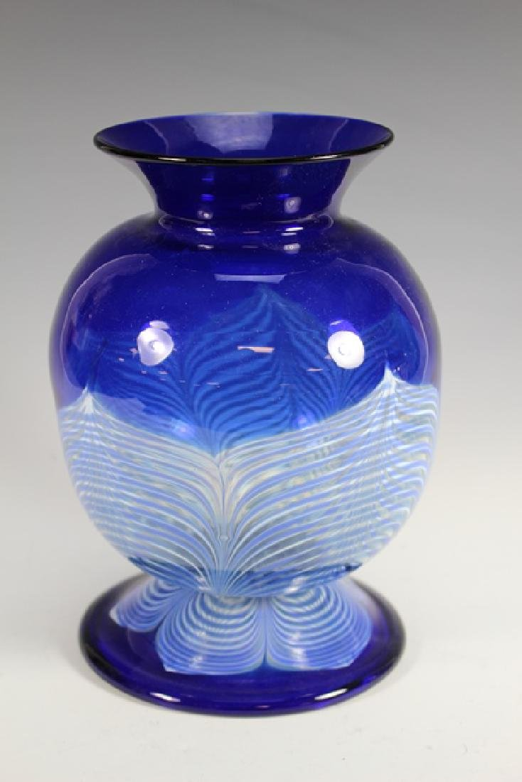 20th century PULLED Feather Art Glass Vase - 2