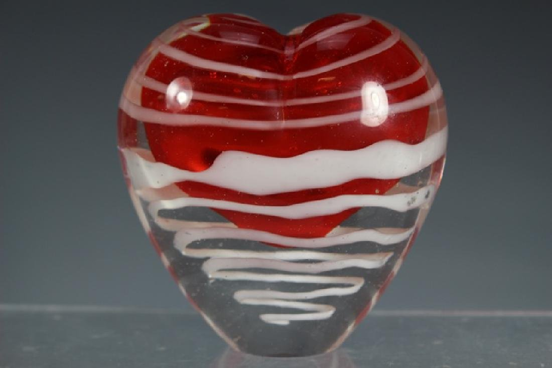 Two Thread Art Glass Heart Vases - 4