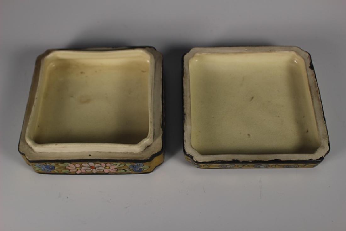 Art Deco Pottery Lidded Dresser Dish - 4
