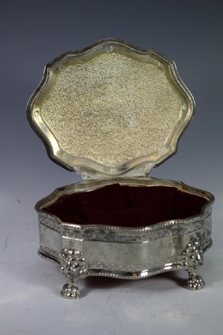 English Claw foot Dresser Box and 2 Powder Dishes - 4