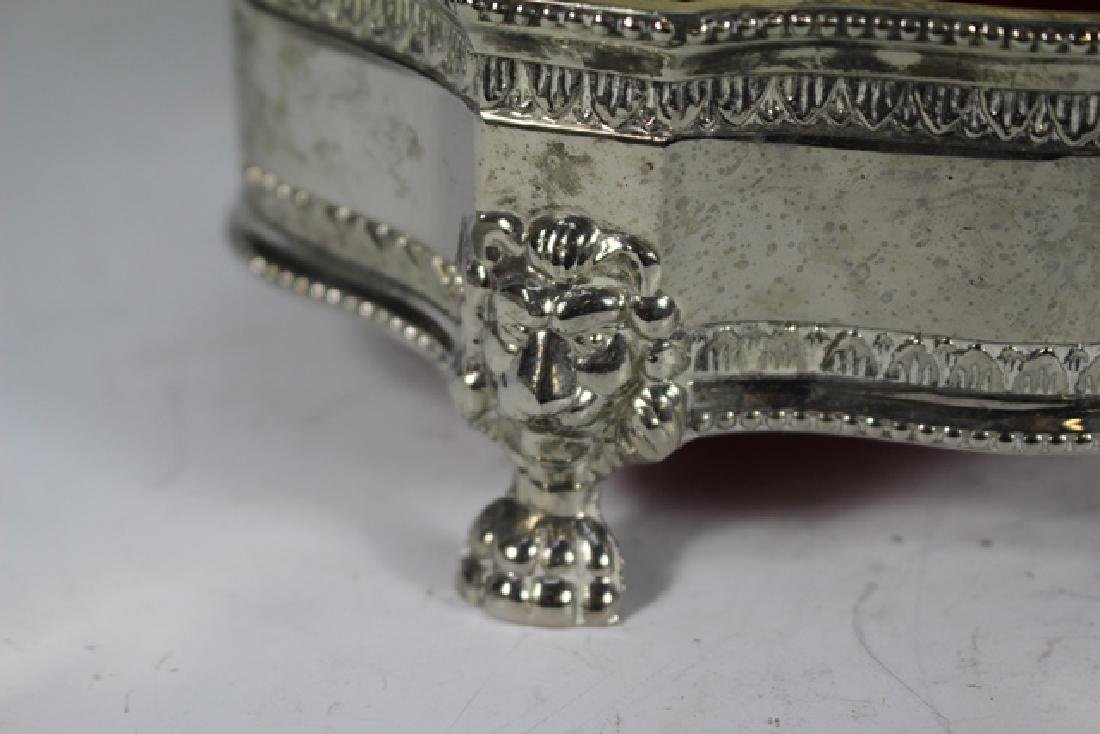 English Claw foot Dresser Box and 2 Powder Dishes - 5