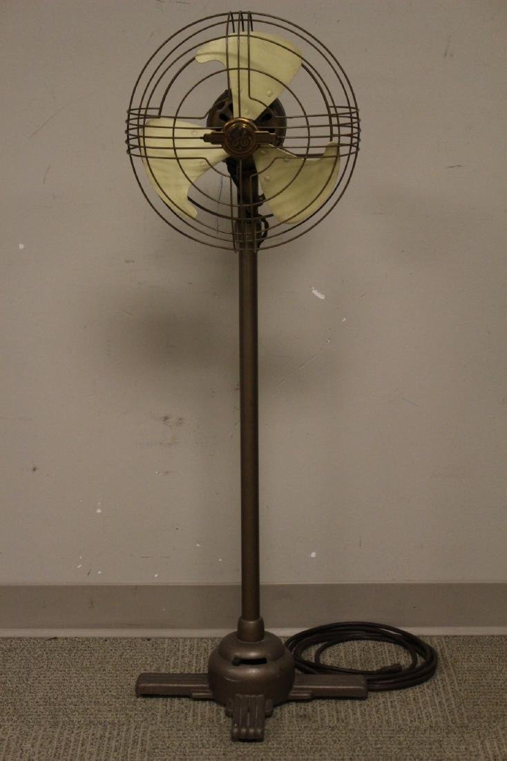 General Electric Oscillating Fan