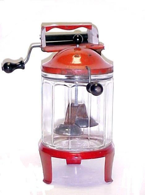111:  Wolverine Doll Washing Machine Toy Wringer,