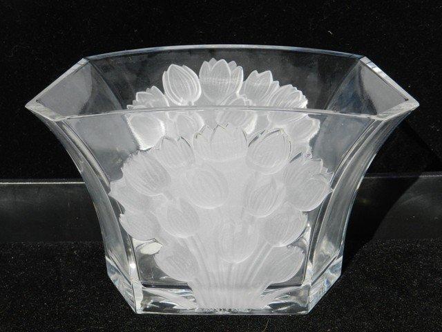 7: Tellflora Frosted Flower Crystal Vase