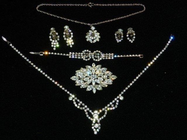 87: Trifari Rhinestone Jewelry Lot