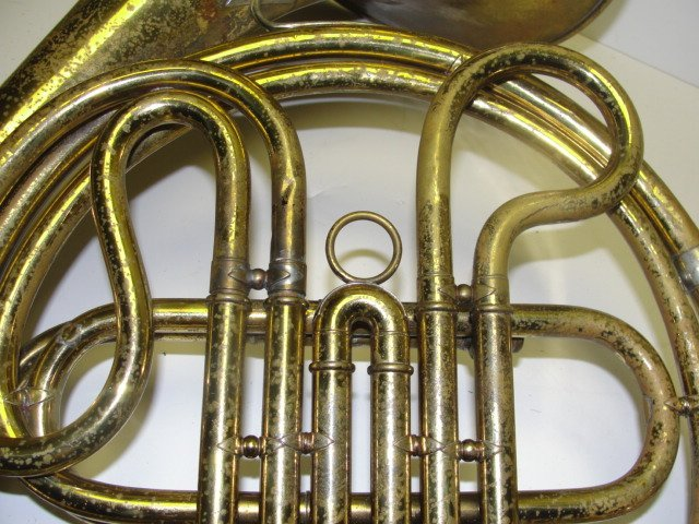 189: Frank Holton Vintage French Horn With Case - 7
