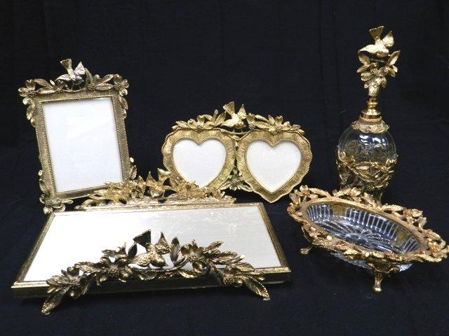 29: Matson Dresser/Vanity Items