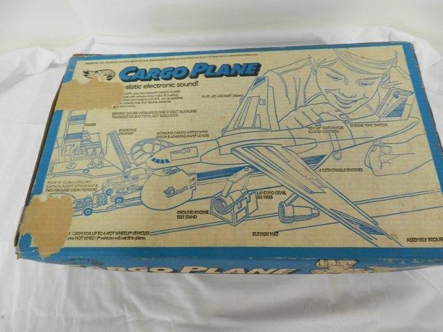 148: Hot Wheels Cargo Plane - 3