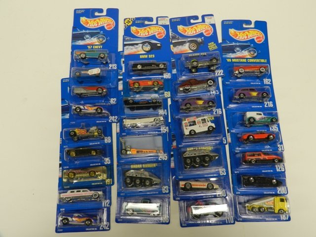 30 Hot Wheels Collector Number Blue Cards