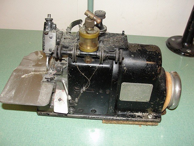 Merrow Serger Commercial Sewing Machine - 3