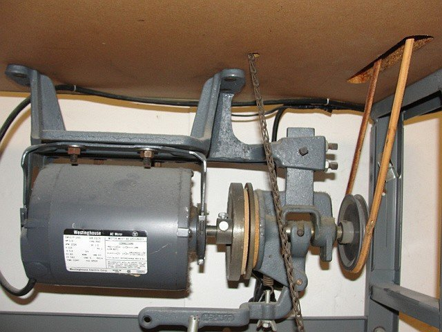 Merrow Serger Commercial Sewing Machine - 5