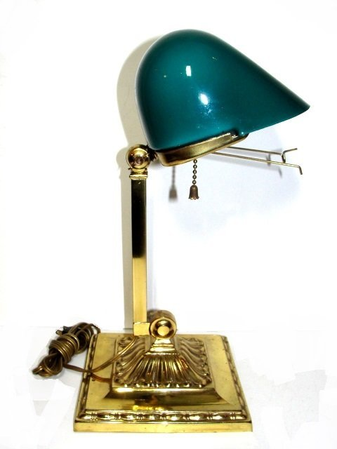 Antique Emeralite Bankers Lamp. No.8734