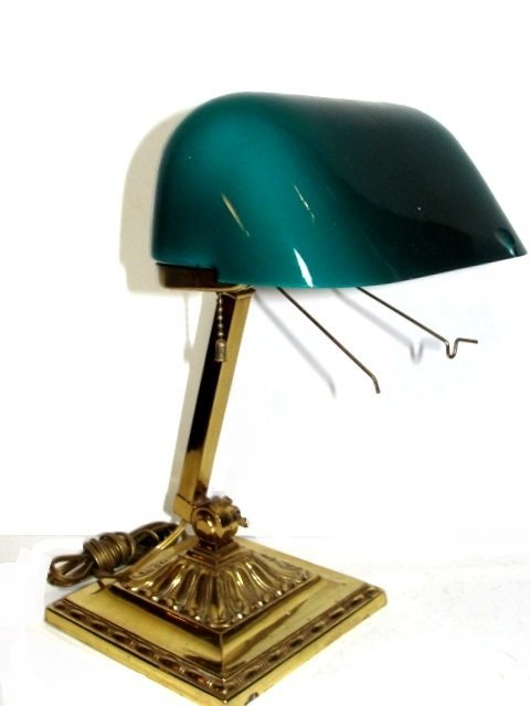 Antique Emeralite Bankers Lamp. No.8734 - 2