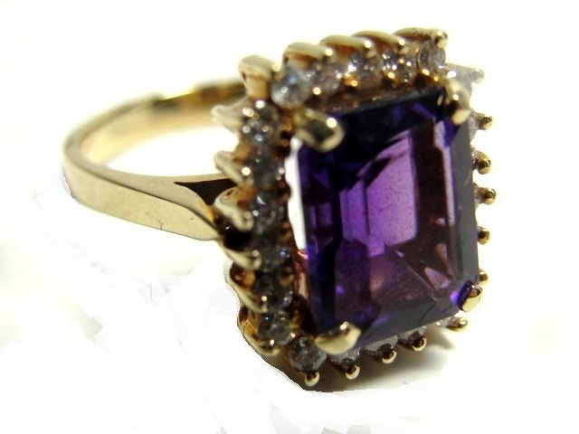 14K. Gold Amethyst/Diamond Lady's Ring