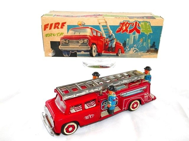 RED CHINA Tin Friction FIRE TRUCK w/ BOX