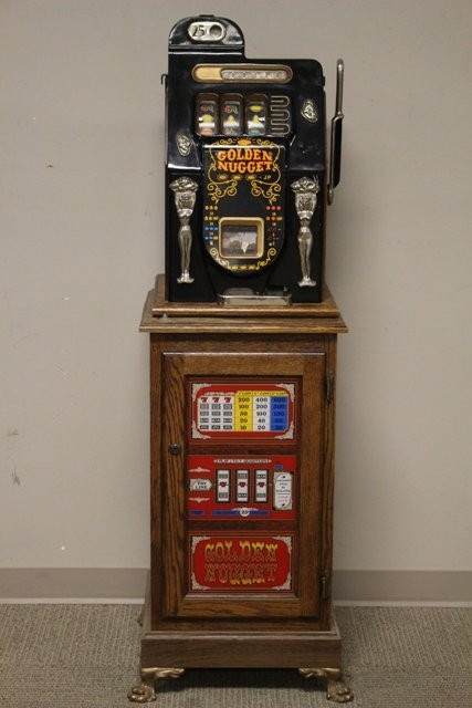 Vintage Mills  25 cent Golden Nugget Slot Machine JP