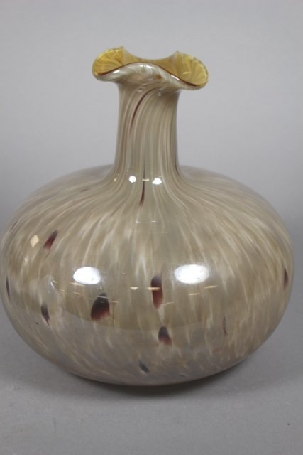 Two Contemporary Glass Vases - 3