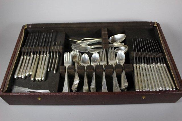 """140 Piece Sterling Silver """"Fairfax"""" Flatware By Gorham"""