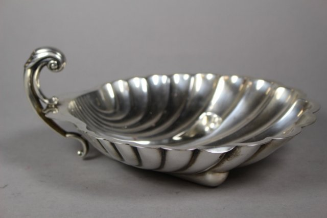 International Sterling Silver Shell Dish Patent #D282A