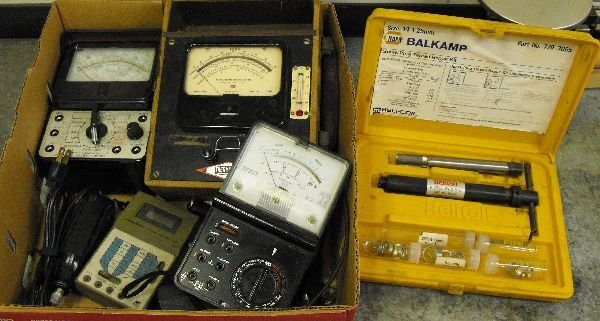 LOT OF ELECTRIC TEST EQUIPMENT