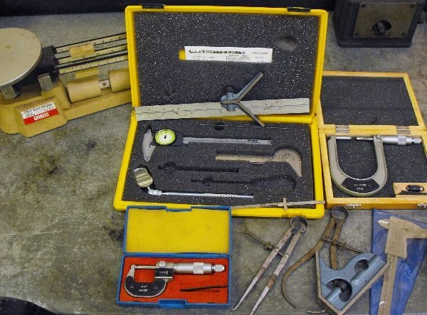 LOT OF CALIPERS MEASURING INSTRUMENTS