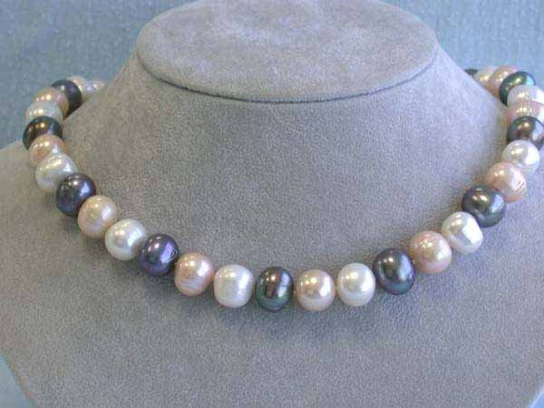 18: Pearl Necklace with 14k Yellow Gold Clasp