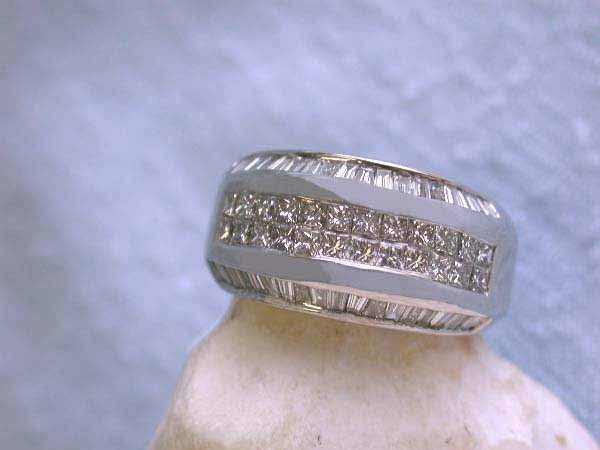 13: 14k Gold Ring with Diamonds