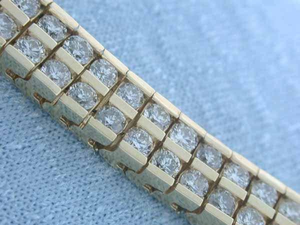 14: 14k Yellow Gold Bracelet with Diamonds