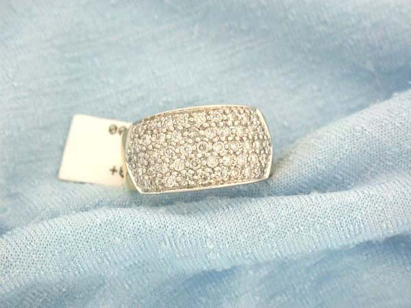 21: 14k Gold Diamond Ring