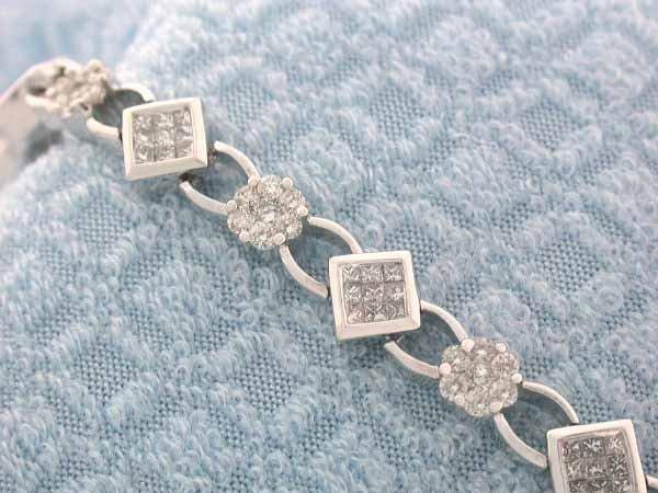 24: 14k Gold Diamond Bracelet