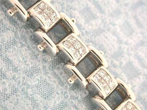 503: 14k Gold Bracelet with Diamonds