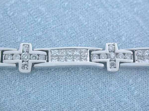 526: 14k Gold Diamond Bracelet