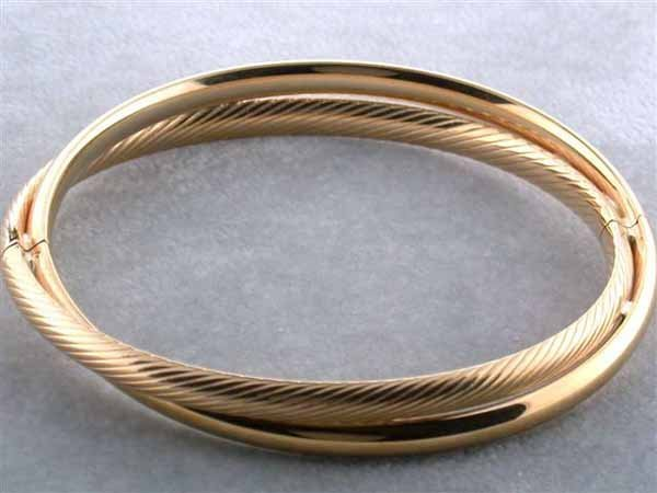 531: 14k Yellow Gold Bangle Bracelet