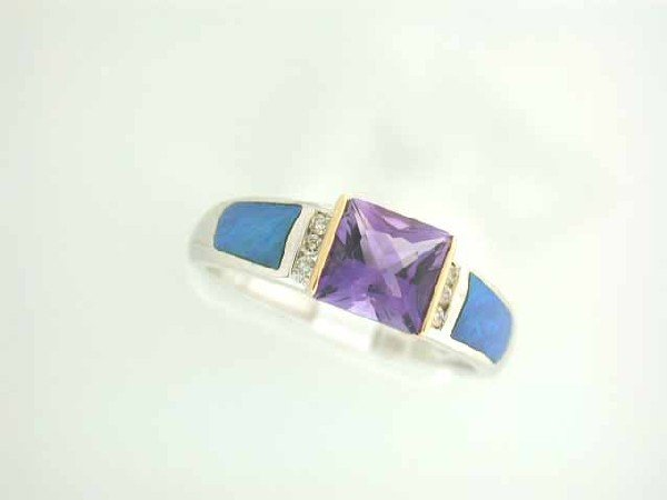 14k Gold Ring with Amethyst and Diamonds