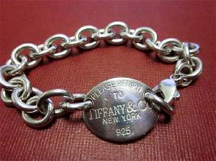 Return to Tiffany Oval Tag Bracelet
