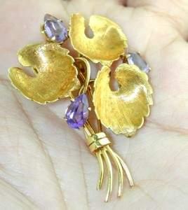 Tiffany & Co 18k Yellow Gold Amethyst Pin
