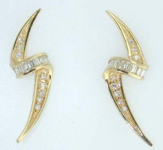 8: 14k Yellow Gold Diamond Earrings