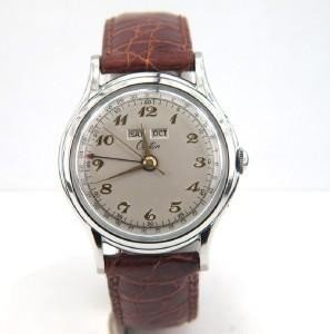 5: Croton Stainless Steel Leather Strap Watch