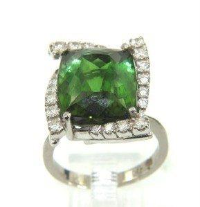 4B: 18K White Gold, Green Citrine & Diamond Ring