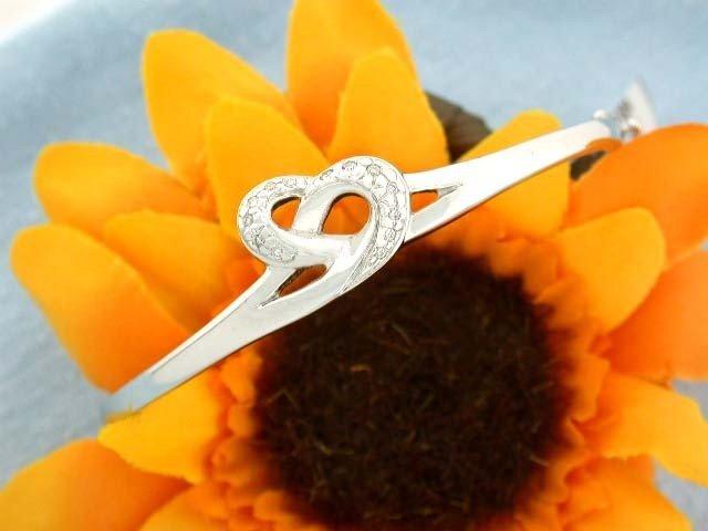 3E: 14k White Gold Bangle Bracelet