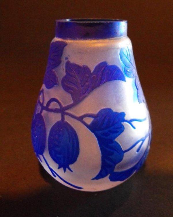 5: Diminutive Cameo Art Glass Vase-k1datyr