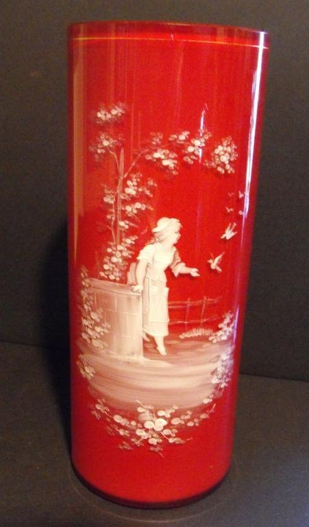 2K: Victorian Mary Gregory Cased Glass Vase