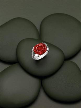 A RARE SPINEL AND DIAMOND RING, LOUIS VUITTON, 2014