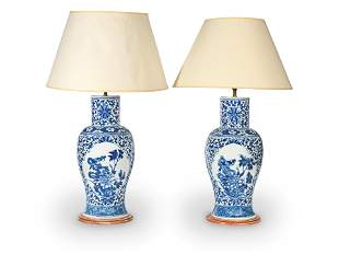 A PAIR OF LATE 19TH / EARLY 20TH CENTURY CHINESE BLUE