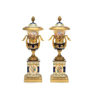 A PAIR OF DECORATIVE CONTINENTAL GILT BRONZE MOUNTED