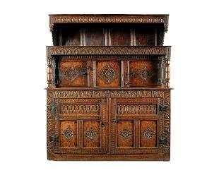 A Welsh Late 17th Century Oak Tridarn